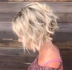Bob Frisuren Blonde Bob Frisur schneiden What are the most popula Short Bob Cuts, Short Hair With Layers, Short Hair Cuts, Medium Bob Cuts, Short Angled Bobs, Layered Bob With Bangs, Short Choppy Hair, Layered Bobs, Short Wavy