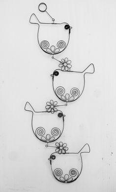 Ptáčkový...... / Zboží prodejce mat.alena | Fler.cz Wire Wrapped Jewelry, Wire Jewelry, Wire Crafts, Diy And Crafts, Wire Jig, Wire Ornaments, Beaded Spiders, Popsicle Stick Crafts, Bullet Journal Ideas Pages