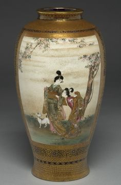 Satsuma vase with closely worked brocading - Ryuzan gold lacquer signature