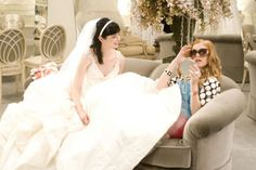 Suze (Krysten Ritter) and Rebecca Bloomwood (Isla Fisher) ~ Confessions of a Shopaholic ~ Movie Stills Movie Wedding Dresses, Celebrity Wedding Dresses, Wedding Movies, Wedding Dress Shopping, Designer Wedding Dresses, Celebrity Weddings, Cinema Wedding, Processional Songs, Wedding Processional