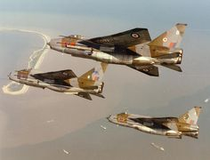 English Electric Lightnings. 5 Sqn and 11 Sqn F6s and Lighting Training Flight T5 from RAF Binbrook
