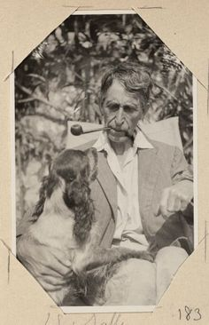 Leonard Woolf with Sally Virginia Woolf, Leonard Woolf, Duncan Grant, Bloomsbury Group, English Writers, Room Of One's Own, Virginia Homes, Man Smoking, Scientists