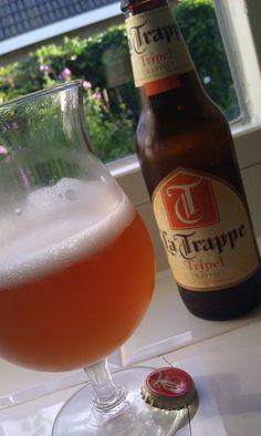 La Trappe Tripel - Br Koningshoeven (Tilburg, Nederland) by for the Love of Beer, via Flickr Beer Photos, Beers Of The World, All Beer, Beer Brewery, Beer Lovers, Craft Beer, Beer Bottle, Netherlands, Holland