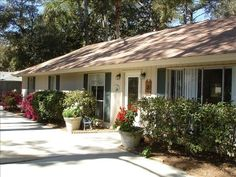 VRBO.com #22924 - Close to Beach/Pool/Hot Tub- Lazy Days on Sand or Pool....Book Fall