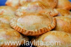 Best Empanadas ever!I love empanadas Love Food, A Food, Food And Drink, Hand Pies, Football Finger Foods, Great Recipes, Favorite Recipes, Fabulous Foods, Appetizer Recipes