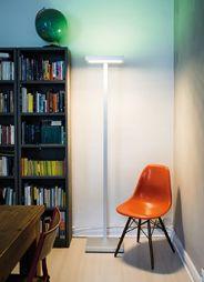 Albedo One, die weltweit erste LED-Stehleuchte mit dynamischer Lichtsteuerung für alle täglichen Anforderungen, auch als perfekte Arbeitsleuchte. Alle Funktionen (Farben, dimmen) lassen sich über ein Touch-Display steuern. Made im Zugerland, Switzerland. Erhältlich in Aluminium matt, Weiss matt, Schwarz matt und Ferrari-Rot. Sonderanfertigungen in Chrom und vergoldet sowie in RAL-Sonderfarben. Light-Up your Life! #leuchten#lamps#swissmade#interiordesign www.wohn-punkt.ch