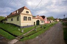 copsa-mare Tourist Places, Romania, Vacation, Mansions, House Styles, Travel, Traditional, Google, Houses