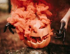 Your All-In-One Party Planner - Halloween ideas - Halloween costumes diy Feliz Halloween, Halloween Gif, Halloween Photos, Halloween Birthday, Cool Halloween Costumes, Halloween Cosplay, Halloween Pumpkins, Halloween Crafts, Happy Halloween