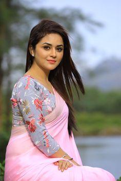 Malayalam Actress Ragini Nandwani Photos In Pink Saree