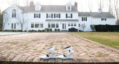 também estou precisada de uma casa branca como esta e de scarpins igualmente brancos!!! (providenciarei uns pares legais pra vender no preview de verão!!!)
