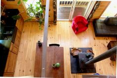 House Tour: Jodi & Michael's Sunny Wilderness Hideaway | Apartment Therapy