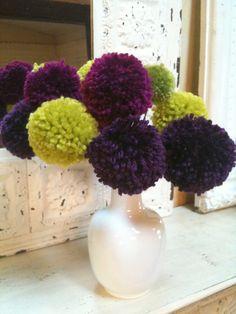 Ten Full and Fluffy Allium Flowers with White Vase Allium Flowers, White Vases, Shades Of Purple, Amazing Gardens, Flower Arrangements, Garden Fun, Swan, Bouquets, Pretty