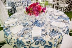I love the patterned table cloth.