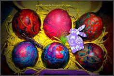 Αυγά βαμμένα με κλωστές φλος και όμορφες αυγοθήκες - Anthomeli Coloring Easter Eggs, Egg Decorating, Easter Gift, Diy Projects To Try, Gift Baskets, Diy And Crafts, Blog, Gifts, Holidays