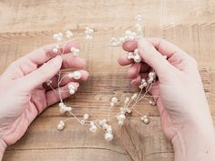DIY-Anleitung: Haarschmuck mit Perlen herstellen, Brautschmuck für die Hochzeit / diy tutorial: making hair accessories with pearls for your wedding via DaWanda.com