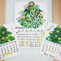 Christmas tree. Fingerprints. Fingerpainting. Preschool art. Náš kalendár. DECEMBER  A3 - odtláčanie rúk do tvaru stromčeka. Následne po uschnutí odtláčanie prstov - farebné svetielka. Z gumy som… Advent Calendar, Art Projects, December, Holiday Decor, Home Decor, Decoration Home, Room Decor, Interior Decorating