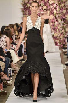 RIP Oscar de la Renta ! He did so feminine dresses I like all like this one for  Spring 2015 RTW – Runway – Vogue