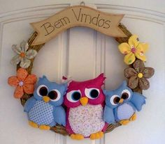 Owl Crafts, Wreath Crafts, Diy And Crafts, Arts And Crafts, Sewing Crafts, Sewing Projects, Projects To Try, Felt Wreath, Owl Pillow