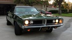 Dodge Charger 68, 67 Mustang, Vintage Porsche, Ford Classic Cars, Toyota Hilux, Amazing Cars, Old Cars, Mopar, Dream Cars