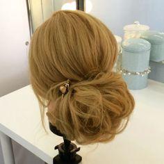 Доброй ночи, друзья! Надеюсь, мои простые рецепты приготовления причесок кому-нибудь будут полезны🙌🏻 #lenabogucharskaya #lowbun #easybuntutorial #hairupdo #hairdo #hairstyle #hairupdomovie #hairupdovideo