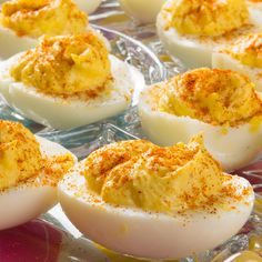 The Keto Deviled Eggs With Bacon Recipe You Will Put On Repeat (Low Carb, Keto, The Best Keto Deviled Eggs with bacon! If you're looking for a crowd-pleasing appetizer these eas Bacon Recipes, Egg Recipes, Keto Deviled Eggs, Christmas Brunch, Thanksgiving Appetizers, On Repeat, Healthy Cooking, Tapas, The Best