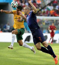 Australia y Holanda disputaron uno de los mejores encuentros del Mundial Brasil 2014. El duelo dejó como líder del Grupo B al cuadro europeo...