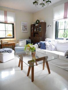 Pikkutalon elämää Dining Bench, Decor, Furniture, Home Decor, Room, Dining