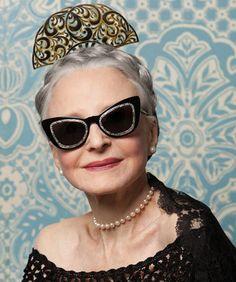 Advanced Style zeigt ausschließlich ältere Ladys, die einen ganz eigenen Stil zelebrieren, für uns ein Statement für wahre Individualität und Lebensfreude.