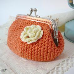 Crochet Coin Purse - Chart❥ 4U hilariafina http://www.pinterest.com/hilariafina/