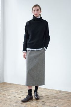 Margaret Howell is a contemporary British clothing designer. Margaret Howell, Mode Outfits, Fashion Outfits, Womens Fashion, Look Fashion, Winter Fashion, Fashion Design, Maxi Pencil Skirt, Mode Simple