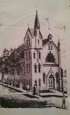 72 ransom st ne  d.s. hopkins designed it in 1882.   It has been severely altered.  I believe this pic came from the grand rapids historical society website.