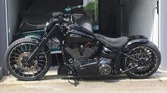 Harley Davidson News – Harley Davidson Bike Pics Harley Davidson Breakout Custom, Harley Davidson Street Glide, Harley Davidson Motorcycles, Bobber Motorcycle, Motorcycle Outfit, Bobber Bikes, Custom Street Bikes, Custom Bikes, Harley Street Bob