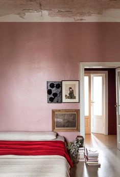 pink walls and bedding. / sfgirlbybay