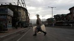 #Living in the Shadow of #Curfew in #Kashmir - locked up in your own land:  (via BBC)