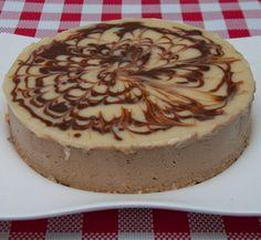 Para quem gosta do sabor de café, a Torta Mousse de Capuccino é excelente. Mousse cremoso e muito leve para servir a qualquer instante.