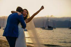 Casamento de dia na praia.