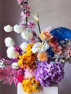 Faux Flowers, Dried Flowers, Hotel Flowers, Colours That Go Together, Flower Arrangements Simple, Flower Bar, Rustic Wedding Flowers, Flower Decorations, Flower Centerpieces