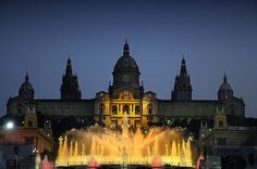Palau Nacional, Barcelona. There was a bomb scare in this very fountain when I was there, so I didn't see much of the palace. =(