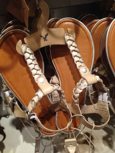 Please buy me these sandals!!!! #americaneagle