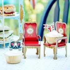 Diamond Jubilee Cupcake Thrones