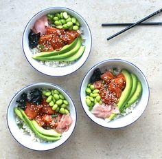 sushi bowl brown rice healthy gluten free salmon sashimi edamame avocado soy soya beans seaweed poke bowl raw fish