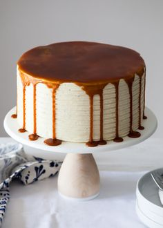 London Fog Cake - chocolate cake with Earl Grey buttercream and salted caramel, I would put caramel on cake; like a crumb coat. Then I would make adam with piped icing around the top layer in a circle and then flood with caramel Cake Recipes, Dessert Recipes, Gourmet Cakes, Food Cakes, Basic Cake, Cake Blog, Different Cakes, New Cake, Fashion Cakes