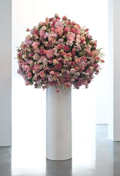 Regen Projects is a contemporary international art gallery located in Los Angeles. Famous Art, Art Of Living, Art Gallery, Bouquet, Contemporary, Image, Art, Rain, Art Museum