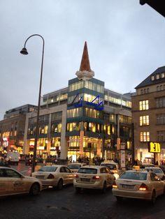 Eis in der Waffel am #Neumarkt in #Köln
