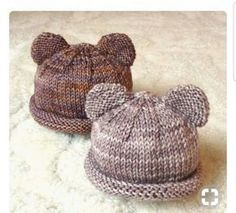Ravelry: carolyni's Itty Bitty Bear Cubs baby hat - FREE knitting pattern by Carolyn Ingram Baby Hats Knitting, Knitting For Kids, Loom Knitting, Free Knitting, Knitted Baby Hats, Newborn Knit Hat, Simple Knitting, Newborn Hats, Knitting Needles