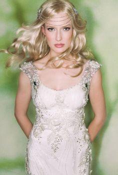 Claire Pettibone 'Crescent' wedding gown   Photo: Guy Toley