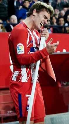 football is my aesthetic Antoine Griezmann, Soccer Guys, Football Soccer, Football Players, College Basketball, Champion Du Monde Foot, Liga Soccer, European Football, Arsenal Fc