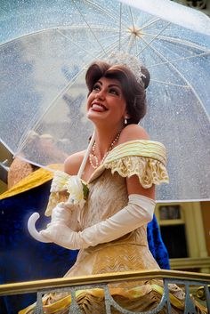 Even while stuck in the rain, Belle looks fabulous! Disney Love, Disney Magic, Disney Parks, Walt Disney World, Disney Princess Belle, Disney Princesses, Princess Party, Disney Cosplay, Belle Cosplay