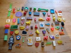 VINTAGE 1970/80S COLLECTION OF 70+ NOVELTY RUBBERS ERASERS