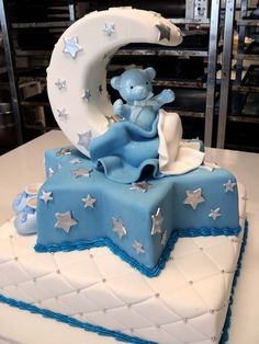 If this were for a baby girl, I could so see this being my future baby Gamma Phi's baby shower cake. For sure.
